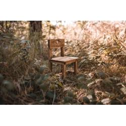 Rustykalne krzesełko do sesji dziecięcych