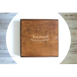 Rustykalne pudełko 30x30 z Twoim grawerem